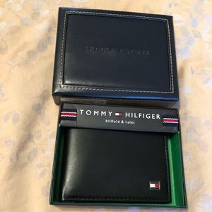 Tommy Hilfiger leather slim bifold wallet
